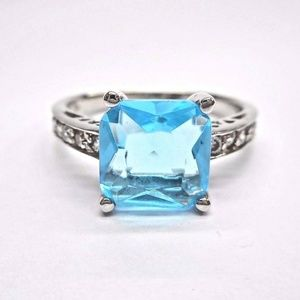 Jewelry - Sterling Silver Aqua Blue Cubic Zirconia Ring 💍